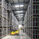 How to manage warehouse inventory?