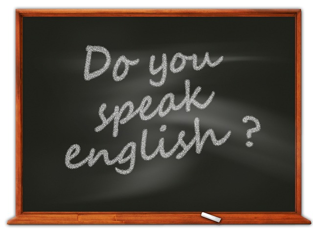 a blackboard - Find movers who are English-friendly.