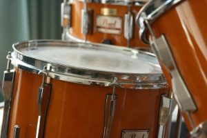 Pearl orange drumset