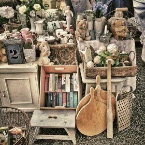 Items on a yard sale