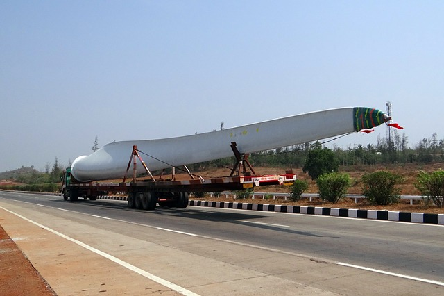 truck hauling large object as one of the things to know about project cargo