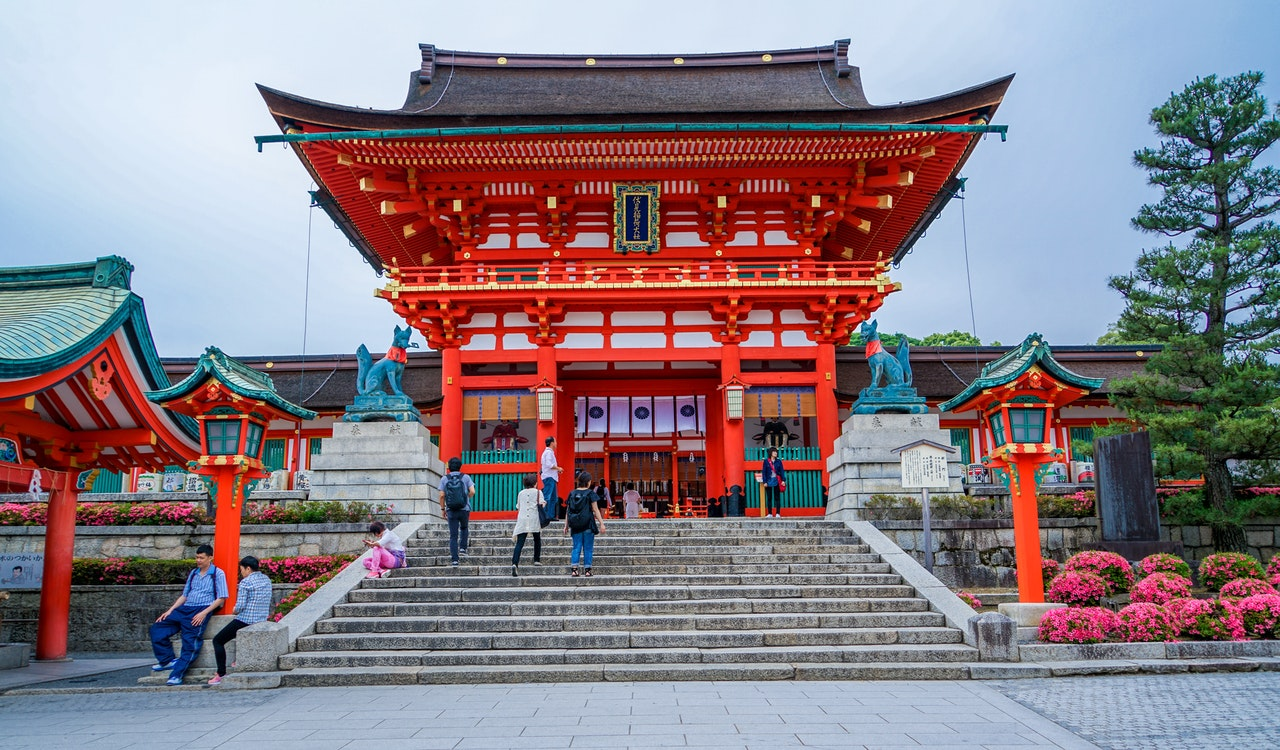 A red shrine you can see when moving from Osaka to Kyoto